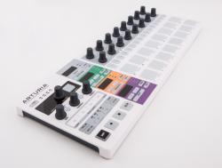 Arturia - ARTURIA Beatstep Pro - MIDI Controller & Sequencer