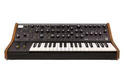 Moog - Moog Subsequent 37 37 Tuş Analog Synthesizer