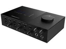 - Native Instruments Komplete Audio 6 MK2